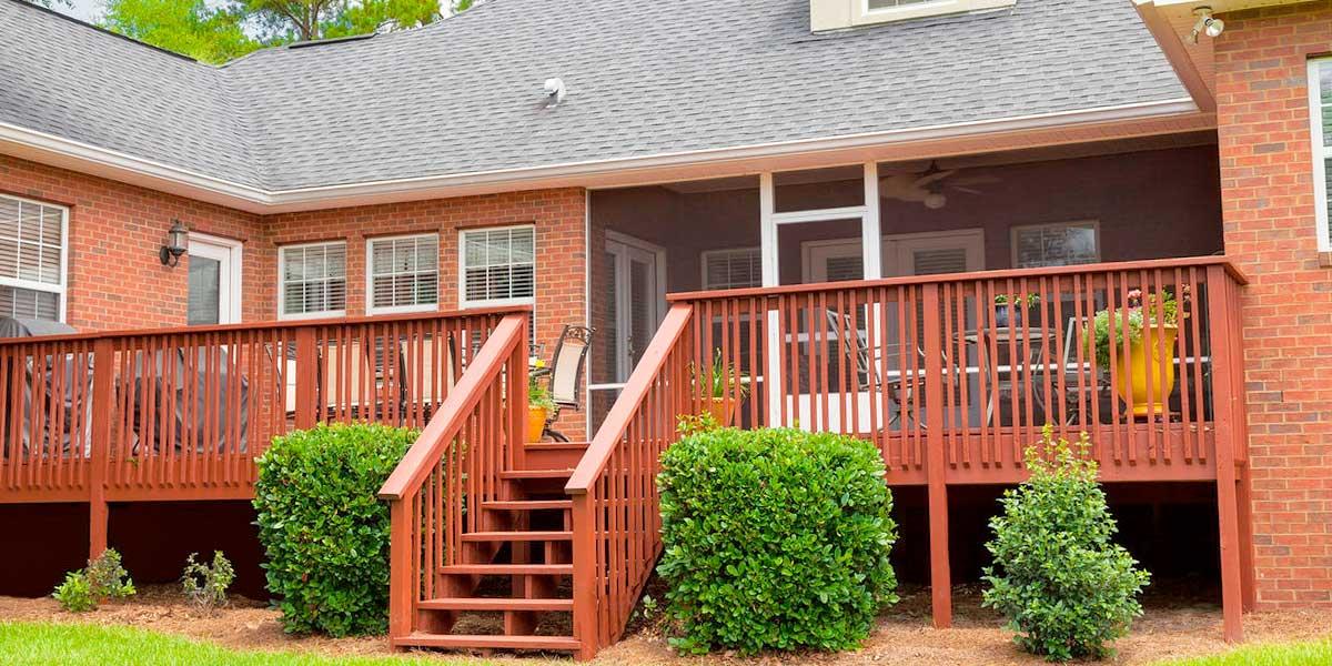 Пример террасы пристроенной к дому
